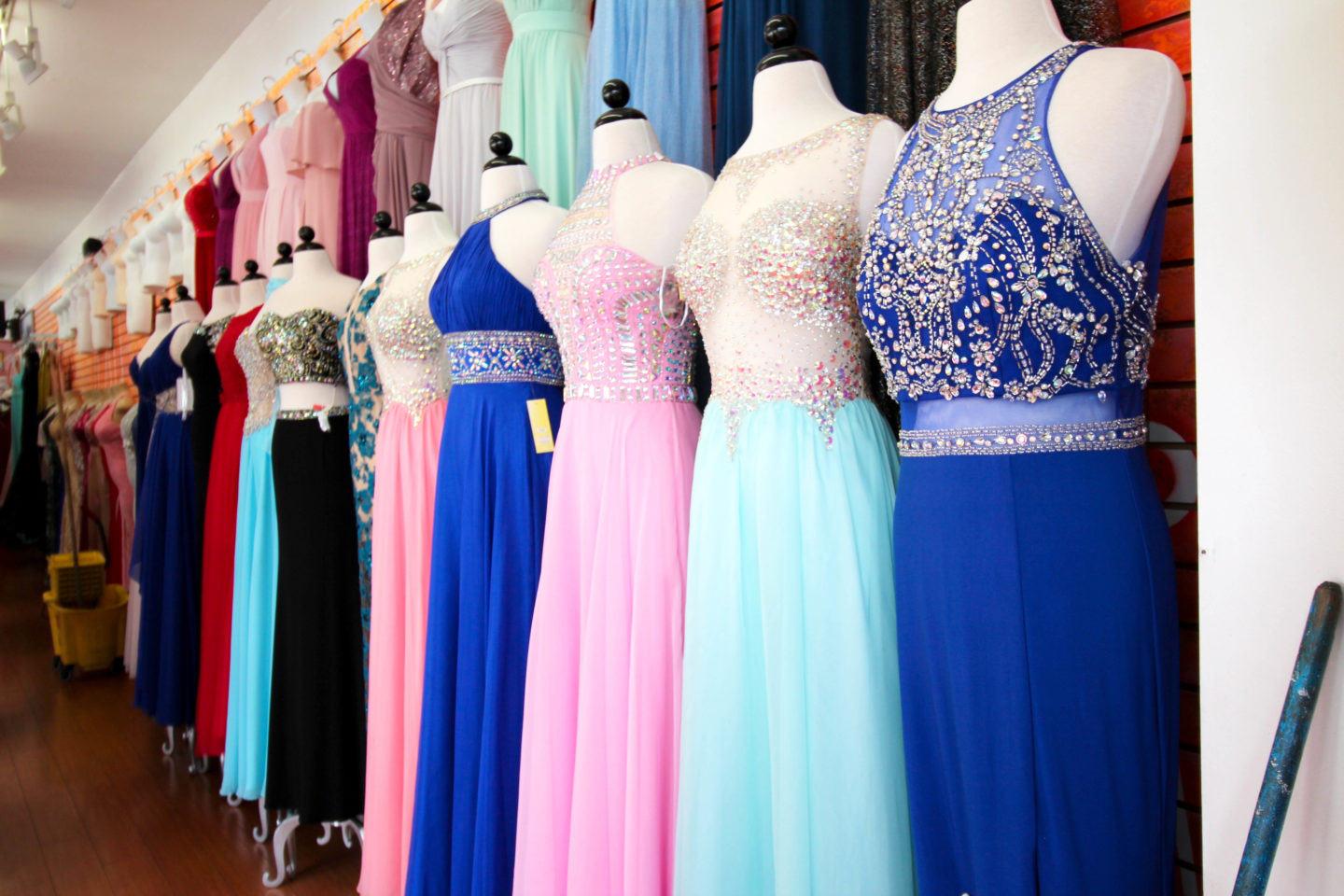 NewYorkDress carries beautiful dresses from top designers for weddings, prom, evening events and more. Shop our wide selection of gorgeous gowns today!