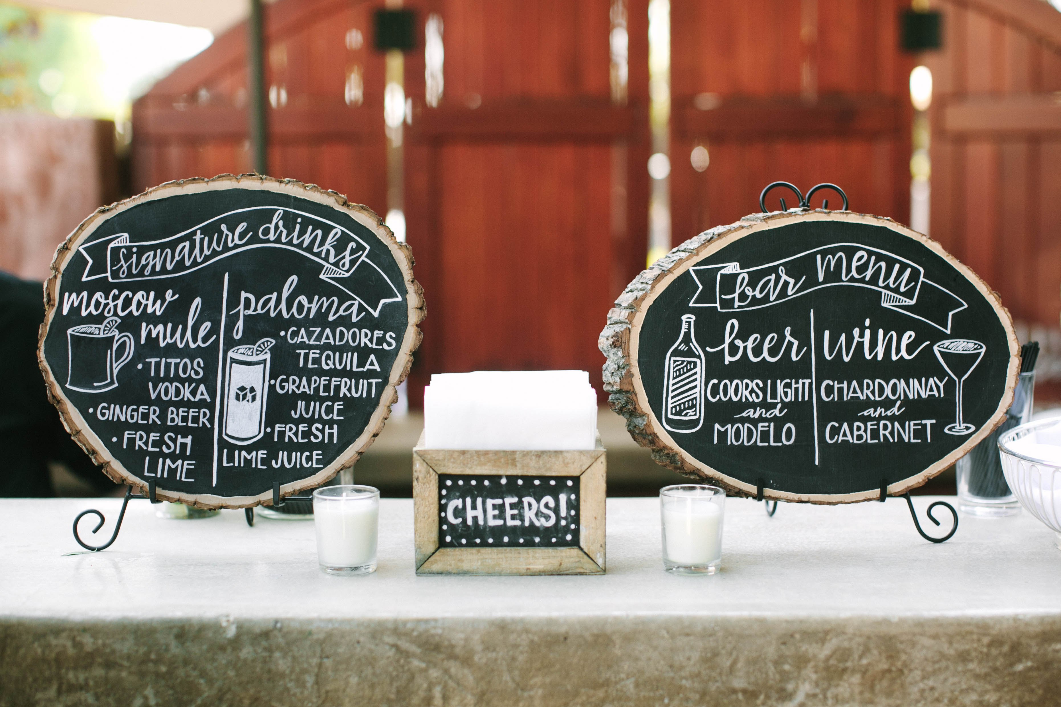 How To Diy Your Own Rustic Wood Wedding Signs Table